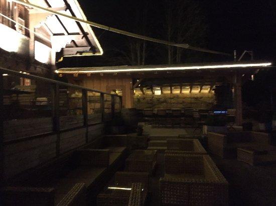Zweisimmen, Svizzera: Hauptgebäude mit Lounge