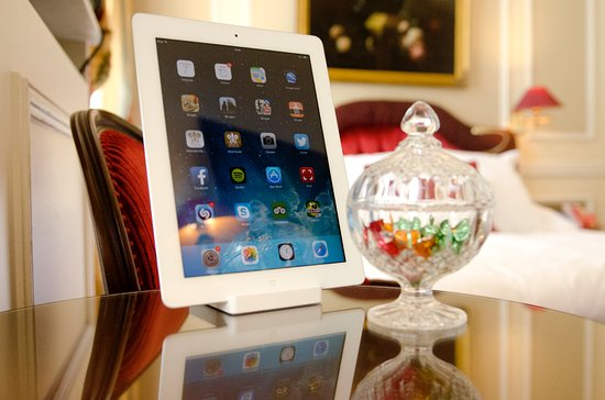 Hotel Heritage - Relais & Chateaux: iPad with free superfast Wifi in all rooms