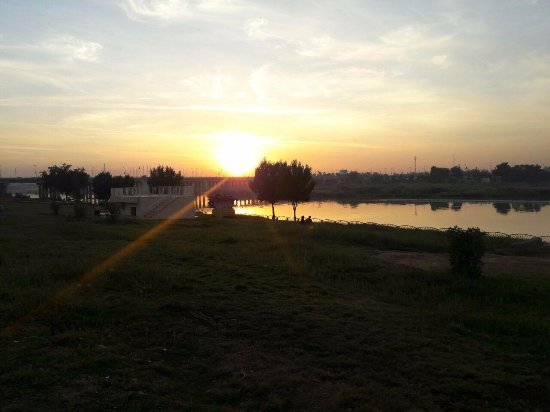 lovely sunset in Khorramshahr