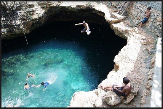 Donggala, Indonesia: jump jump jump