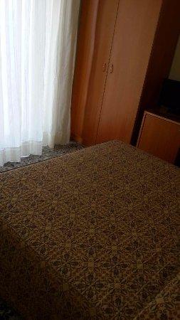 Hotel Holidays: camera 205