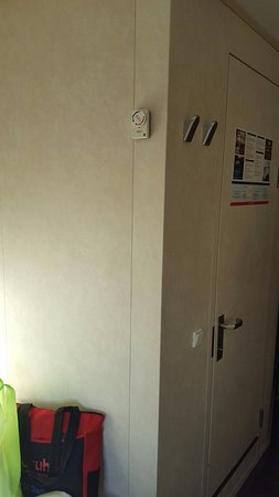 Devonport, Australia: Entrance to bathroom