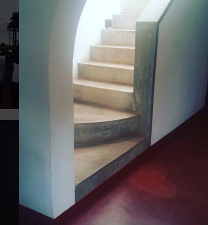 Chintheche, Malawi: Beautiful polished cement stairs