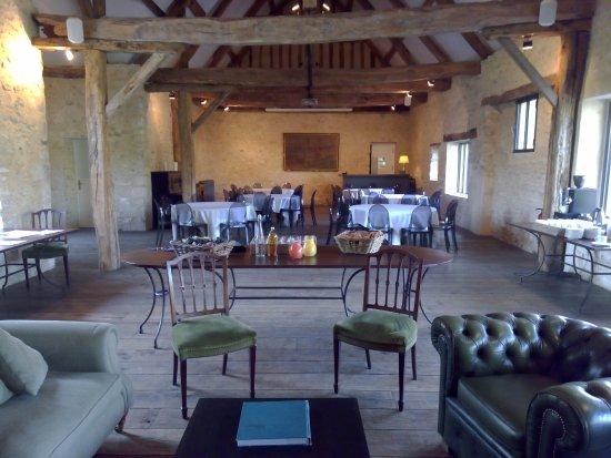 Salle de buffet picture of domaine de rebetz chaumont for Buffet de salle