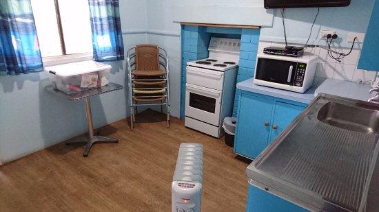 Prevelly, Austrália: Kitchen, cottage
