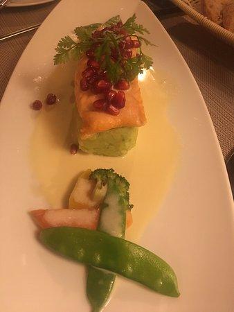 Nestor Hotel Ludwigsburg: salmón con bisaltos de guarnición