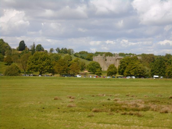 Tenterden, UK: views of Bodiam Castle