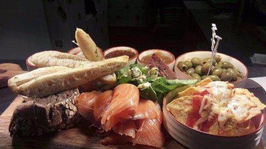 Seaforth Bar and Restaurant: Our tasty Highlands Platter