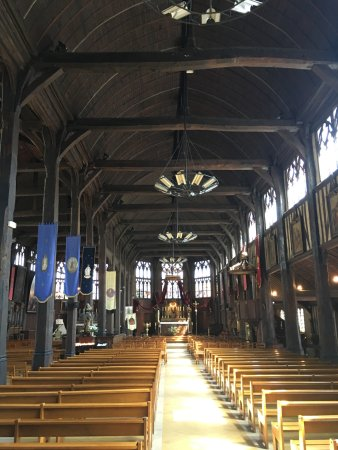 L 39 int rieur de l 39 glise picture of saint catherine 39 s for Interieur eglise
