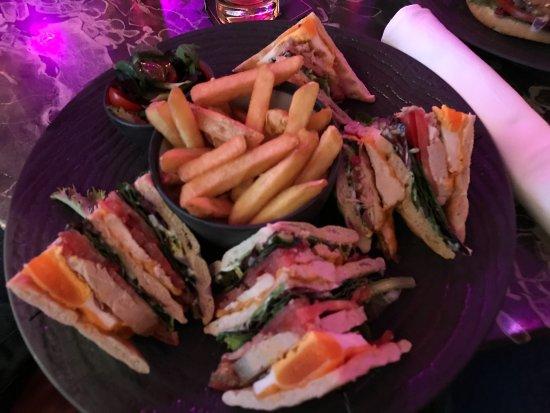 Funky Claude's Bar : Club Sandwich