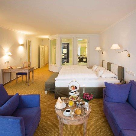 romantik hotel hof zur linde m nster duitsland foto 39 s reviews en prijsvergelijking. Black Bedroom Furniture Sets. Home Design Ideas