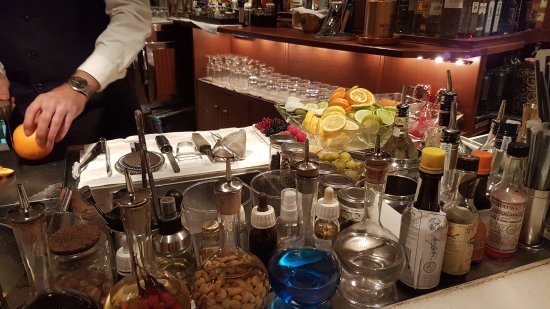 Milano Cocktail Bar: Bar
