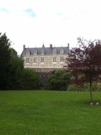 Esvres, France: vu de l'exterieur (coté parc)