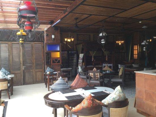 Legian Restaurants Near Padma
