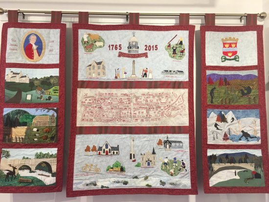 Grantown-on-Spey, UK: A wall hanging in the gallery