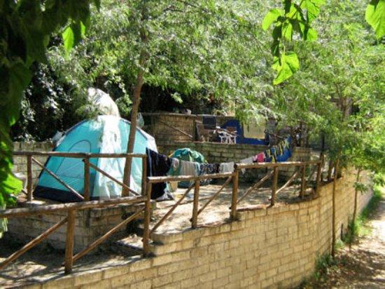 Terrazze attrezzate per le tende - Picture of Camping Lido Riccio ...