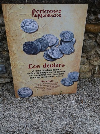 Montbazon, Francja: les deniers qui permettent de faire et acquerir nos objets