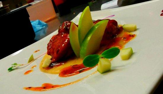 Pinocchio Italian restaurant & Wine bar : pork
