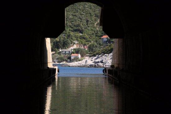 Vis, Hırvatistan: Lobster mine..