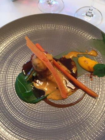 "One-O-One Restaurant : ""Terre Et Mer"" King Crab / Beef Fillet / Asparagus / Heritage Carrot / Pinot Noir"