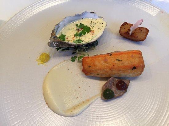 One-O-One Restaurant : Seabass / Oyster Béarnaise / Sea-Cabbage / Sunshokes / Mushroom / Seaweed
