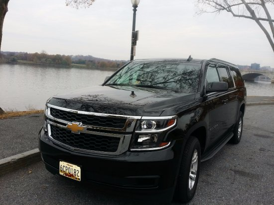 Springfield, VA: our 6 Pass Suv for tour