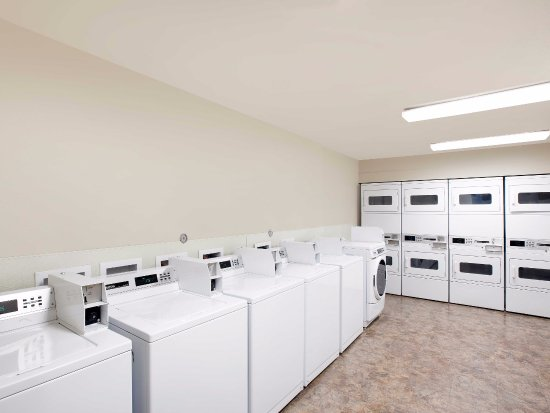 Laundry Room - Picture of WoodSpring Suites College Station