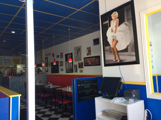 Concord, Canada: 50's Diner, clean & new