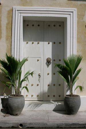 Hotel Casa Lola: fachada dia