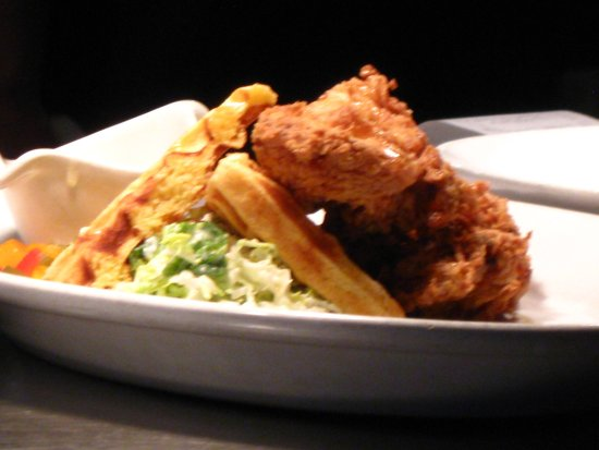 Oak Harbor, WA: Fried Chicken and waffles with slaw