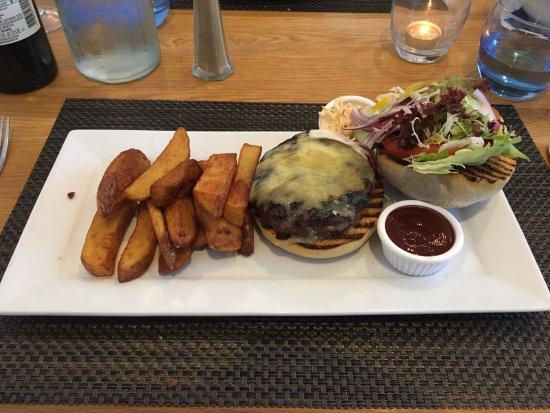 Kenmore, UK : Burger & Chips