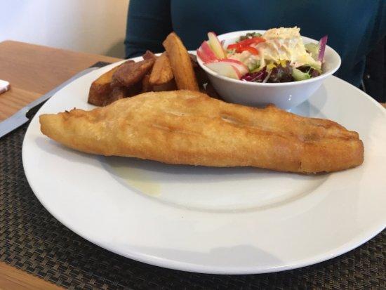 Kenmore, UK : Fish, Chips & Marina Salad