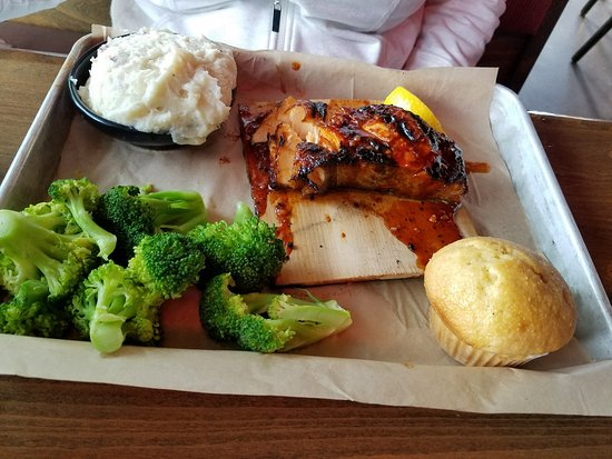 Famous Dave's Bar-B-Que: Salmon on a Plank