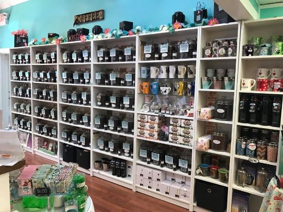 Lititz, PA: Coffee Wall..Over 70 flavors! Decaf too!