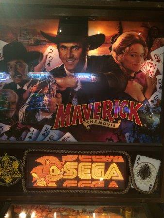 Pelham, NH: Maverick pinball