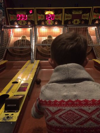 Pelham, Nueva Hampshire: skee-ball!