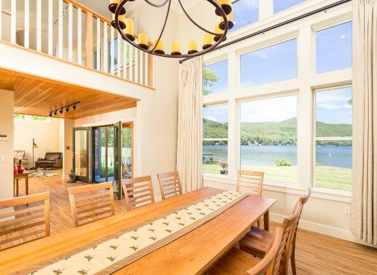 Fairlee, VT: Denslow Cottage - Dining Room