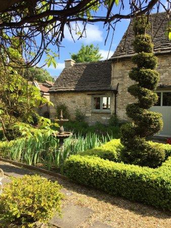 Leigh House: photo0.jpg