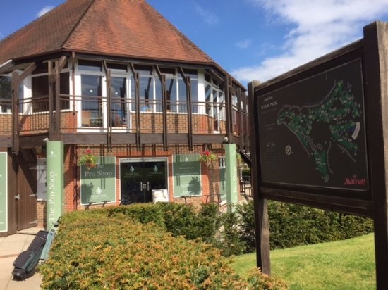 Bearsted, UK: The Golf shop and reception.