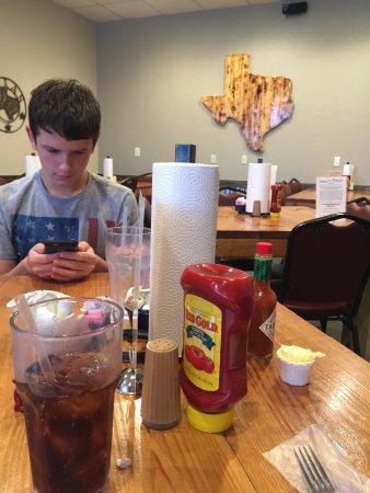 Whitney, TX: Yummy food!! Great service.