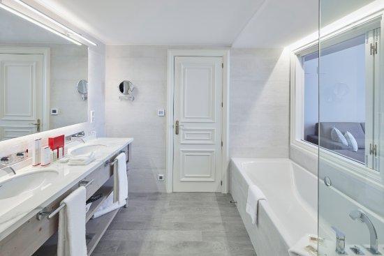 Ba o habitaci n d plex picture of hotel casa vilella - Hotel casa vilella ...