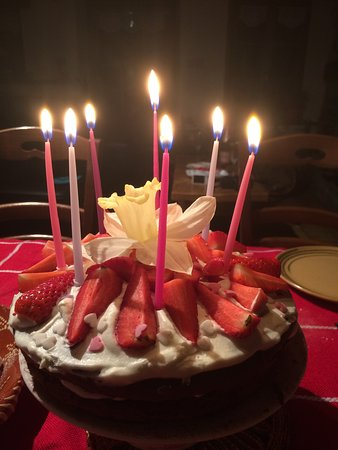 La Lechere, France: Bday Cakes for everyone