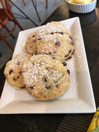 Inn at Twaalfskill: Fresh Baked Scones