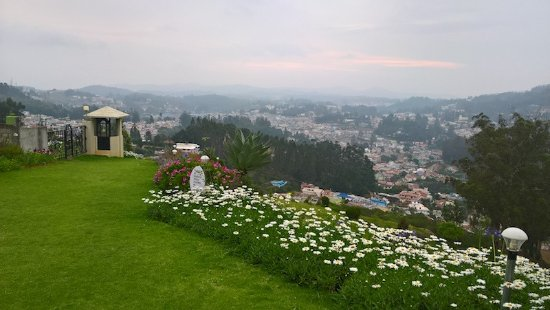Sinclairs Retreat Ooty: View from the beautiful landscape of the hotel