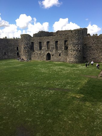 Beaumaris, UK: So incredible!!! Feels like you're right there in the medieval times.