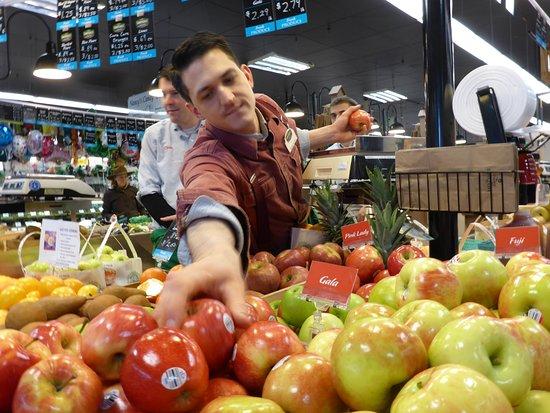 Wayne, Pensilvania: Fruit Vendor and stand