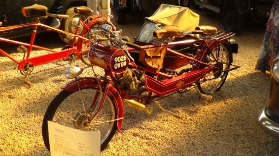 Musée Automobile Reims : Early moped?