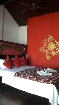 La Chambre Chinoise - Picture of La Java Bleue, Kampot - TripAdvisor