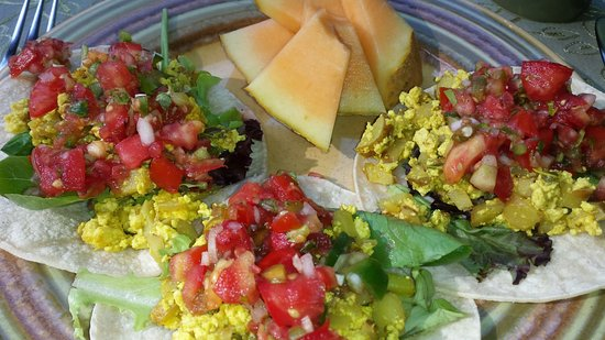 Hungry Ghost Guest House: Breakfast Tacos