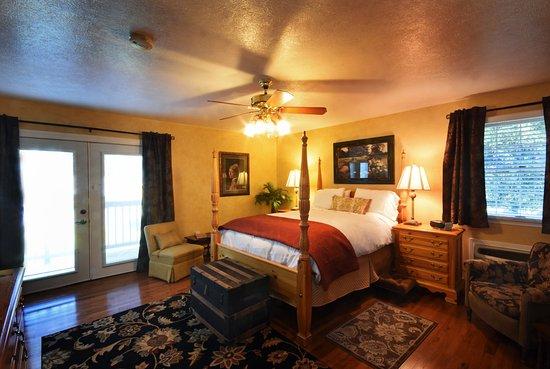 Columbia Falls, Montana: Big Mountain room (in main house)